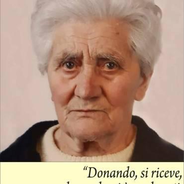 <h2 style='font-size:14px;color:#bfa34b'>ATTORNIATA DAI ISUOI CARI E' MANCATA SERENAMENTE</h2><h1 style='font-size:30px;color:#bfa34b'><style='fontsize:3.333em'>Maddalena Franzini ved. Nesina</h1>